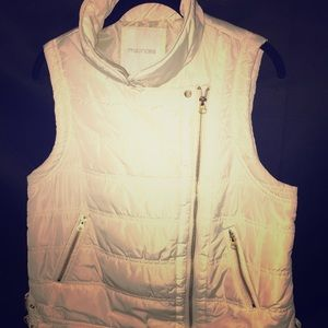 EXCELLENT CONDITION MAURICE'S QUILTED VEST LARGE